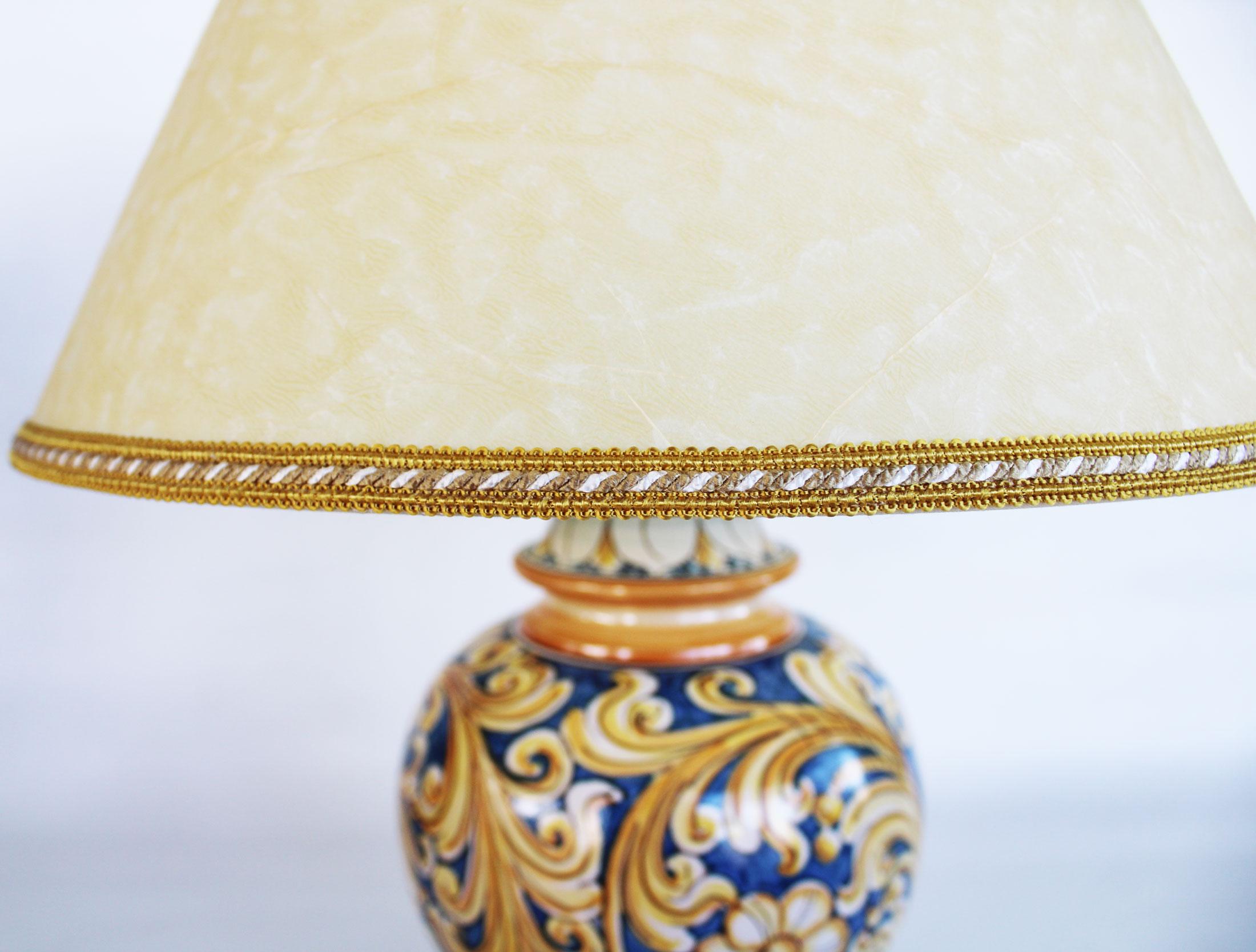 Lampada A Lume Classico In Ceramiche Di Caltagirone Maioliche Artistiche Giorgio Ivano Alemanna